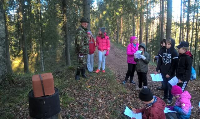 Eräpolku tapahtuma Jäppilän koululaisille